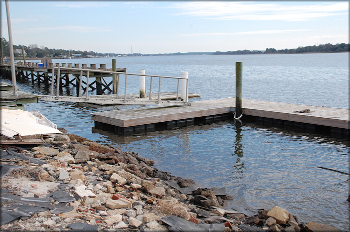 Floating Docks at Browns Creek Fish Camp (St. Johns River)
