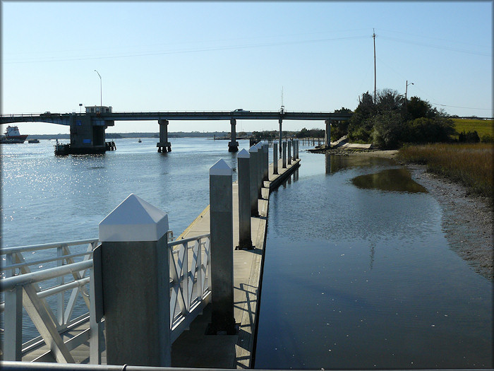 Floating Dock at Sisters Creek Marina (Sisters Creek)